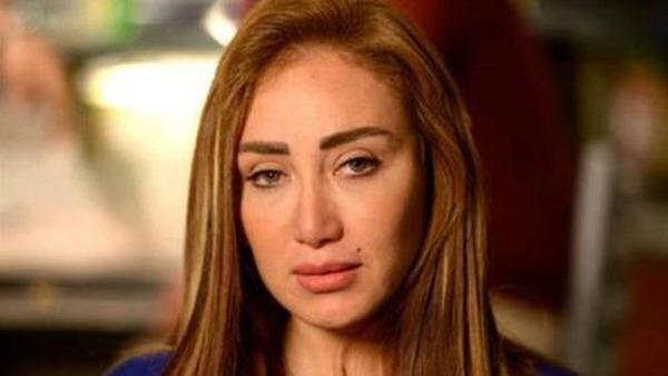 منة فضالي تؤازر ريهام سعيد بهذه الطريقة