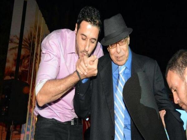 أحمد السعدني يحتفل بعيد ميلاد والده على طريقته الخاصة