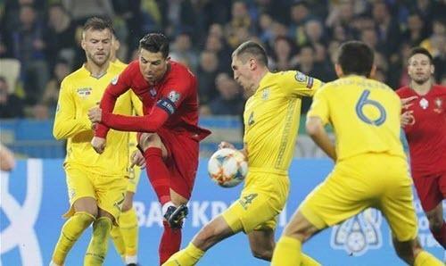 أوكرانيا تعبر إلى نهائيات أمم أوروبا بعد الفوز على البرتغال
