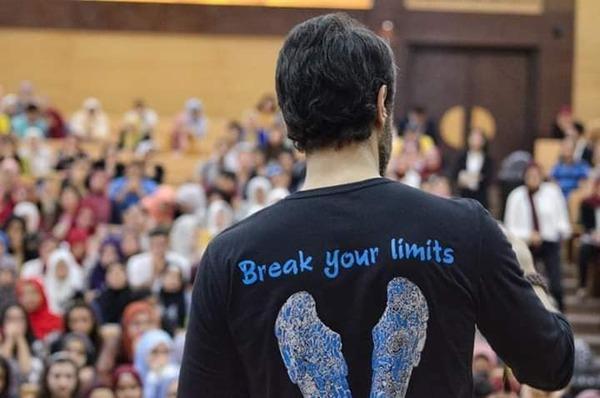 بالصور .. طارق صبري يتوجه بالشكر إلى طلبة جامعة عين شمس
