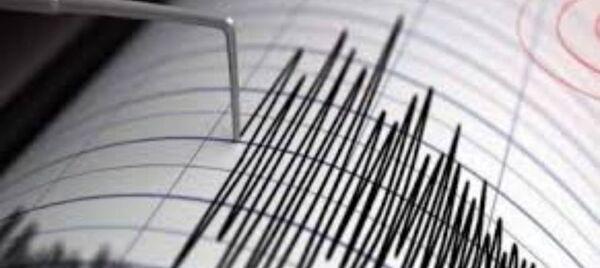 صورة زلزال بقوة 5 درجات يضرب سكان ساحل بحر ايجه بتركيا