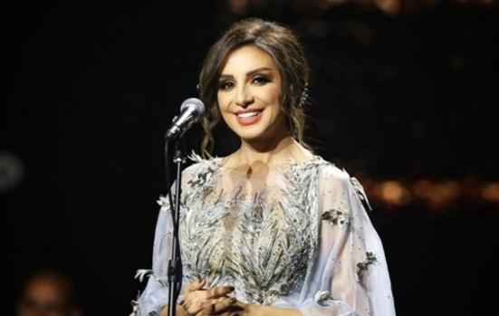 أنغام تتعرض لحالة إغماء أثناء حفلها بالسعودية