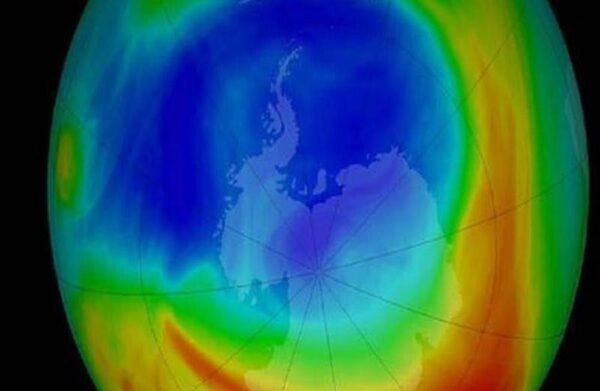 ثقب الأوزون يسجل اصغر حجمًا له منذ 37 عامًا