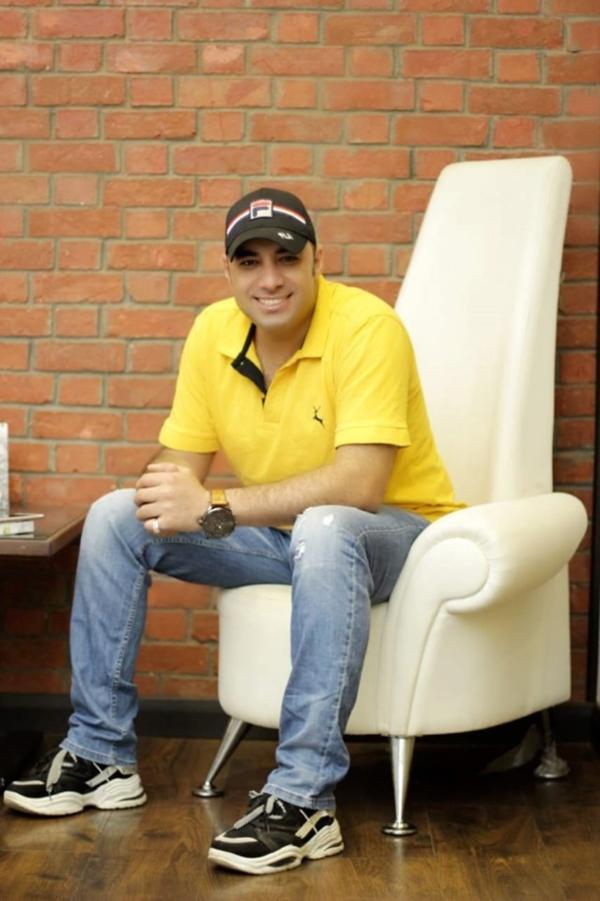 احمد العزبي يكشف عن بوستر الموسم الخامس من إيجي فاشون