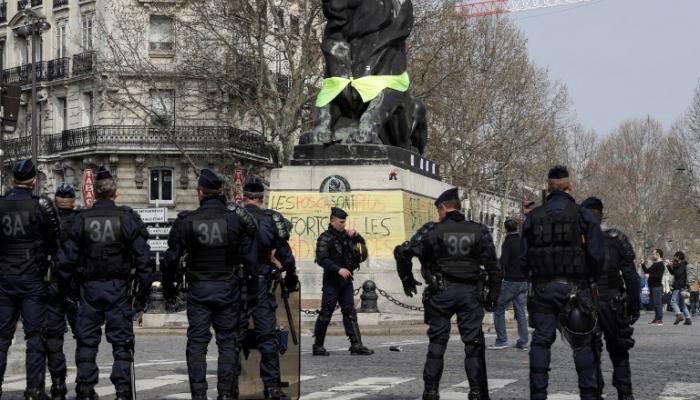 صورة السلطات الفرنسية تسعى لإقناع شركائها الأوروبيين بإرسال قوات خاصة للساحل