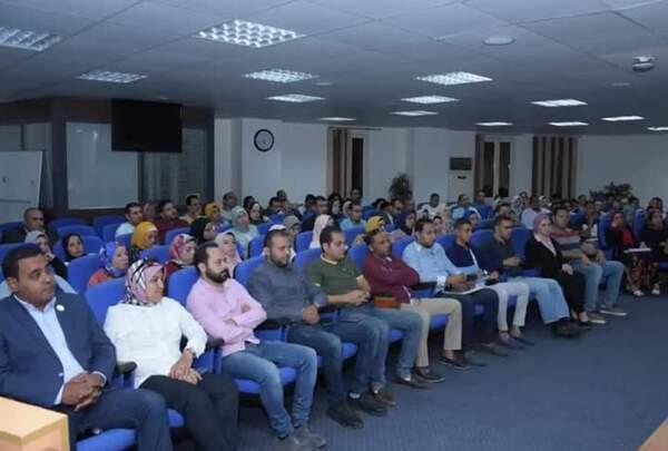 بالصور.. محافظ الإسكندرية يلتقي شباب منظومة العمل التطوعي بالمحافظة