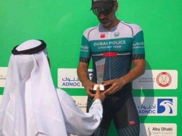 ابراهيم الفلامرزي يحصل علي جائزة خاصة في طواف دبي