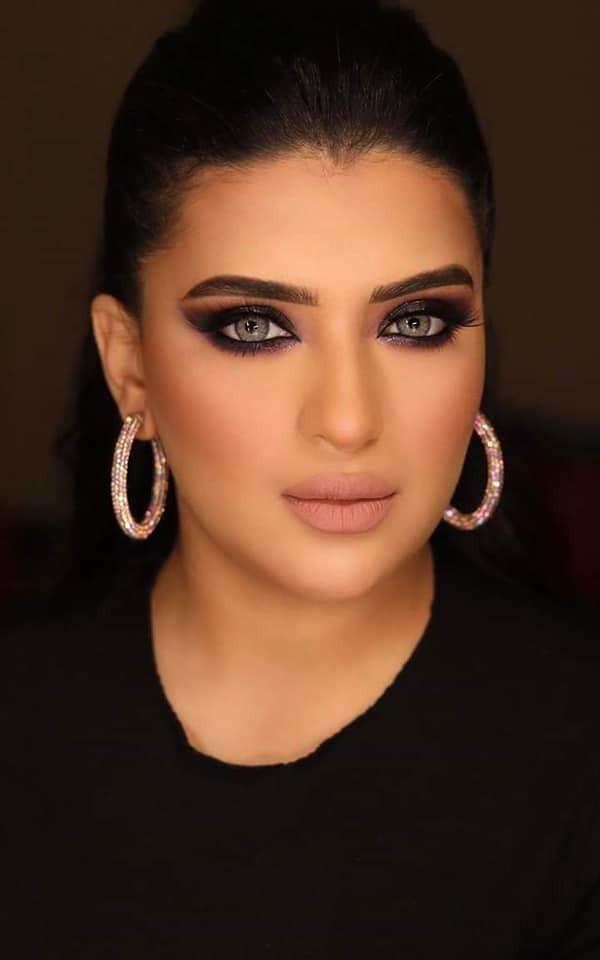هبة مجدي تواصل الإبداع في جلسة تصوير جديدة