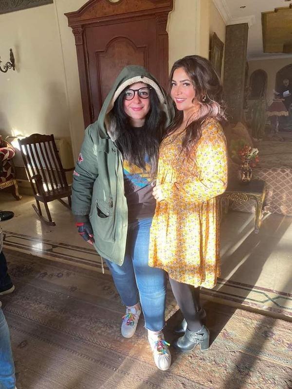 دنيا المصري تشارك متابعيها كواليس مسلسل البيت الكبير