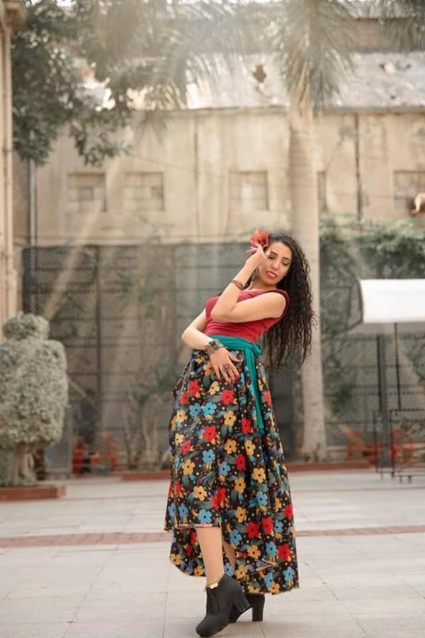 """دنيا عبد الغني تطرح جلسة جديدة بعنوان """"فصل الربيع"""""""