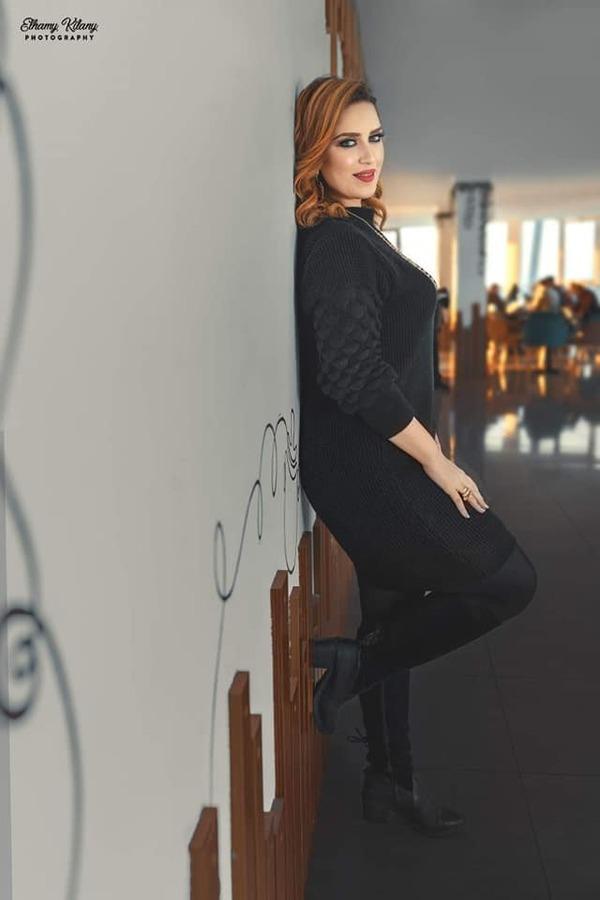 دنيا عصام تتألق في أحدث جلسة تصوير وذلك بعدسة المصور إلهامي السيد