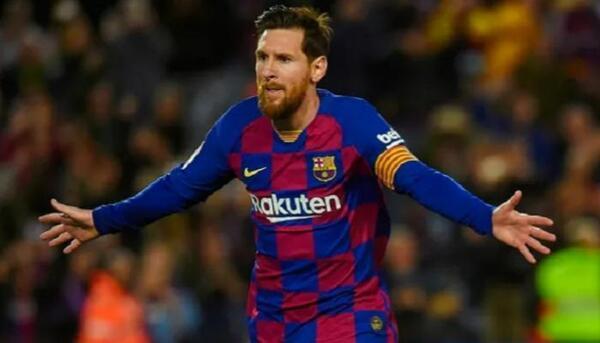 رقم قياسي جديد لأسطورة برشلونة في مباراة قادش
