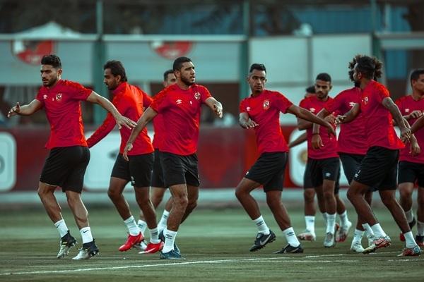 نتيجة مسحة أكرم توفيق وموقفه من المشاركة في مباراة الدحيل القطري بكأس العالم للأندية