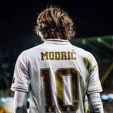 ريال مدريد يطمح لتجديد عقد مودريتش