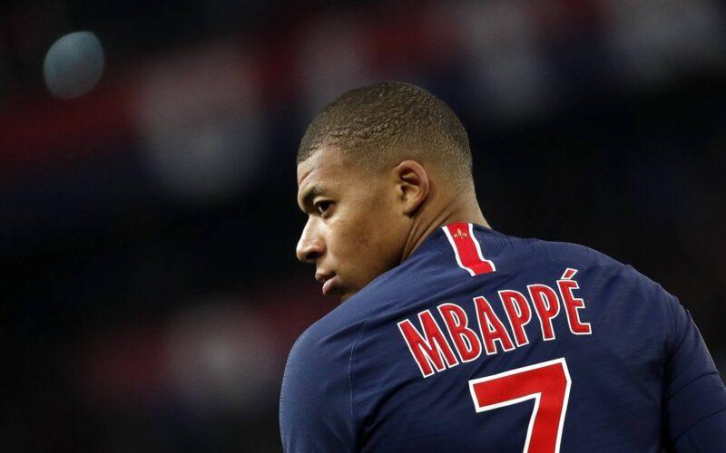 ليوناردو يؤكد سعي باريس لتجديد عقد مبابي
